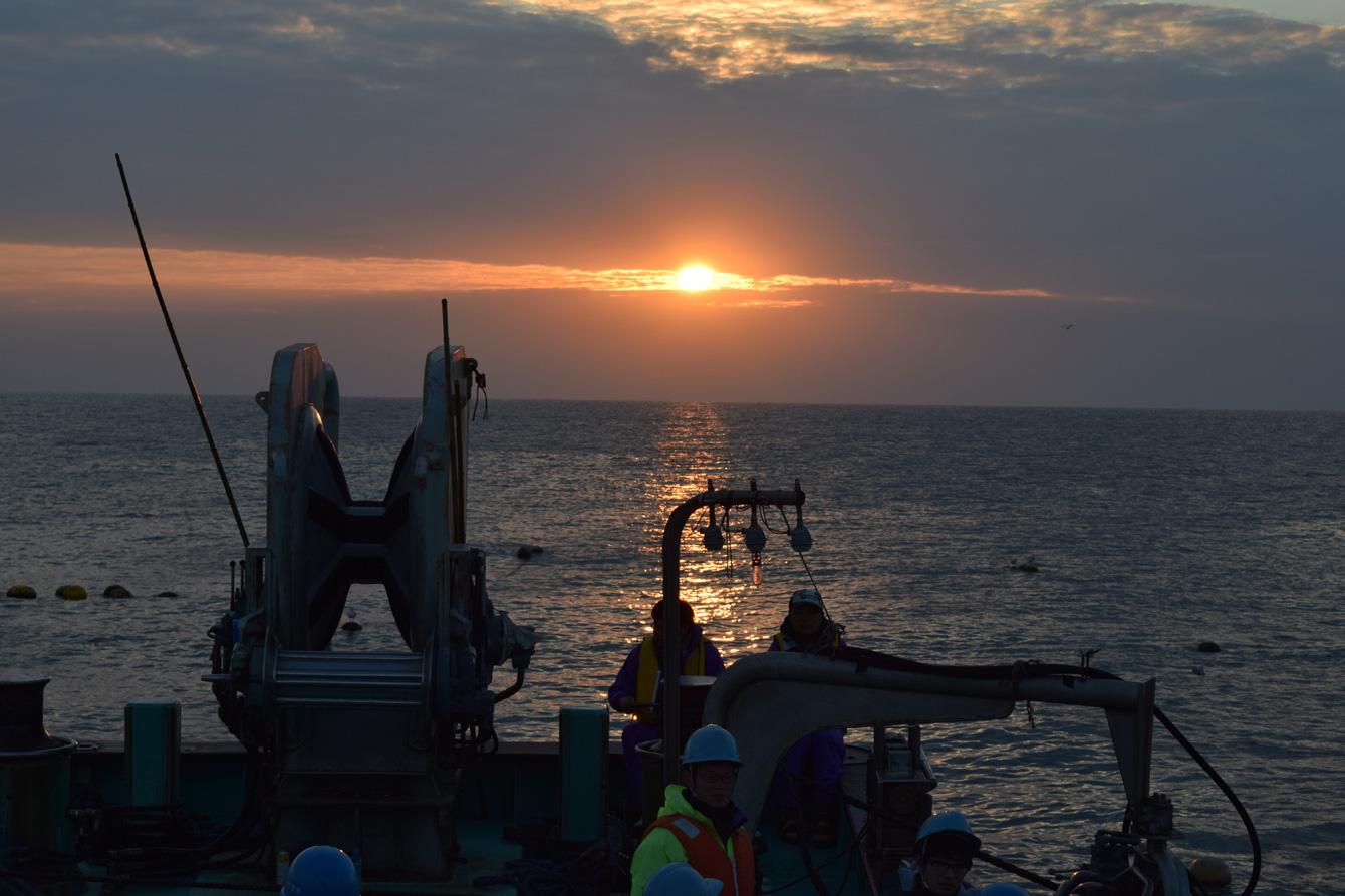 海部地区、鞆浦での大敷漁体験。天気がいいとだるま朝日も見られる。