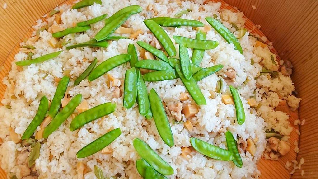 絶品の山菜の混ぜご飯。