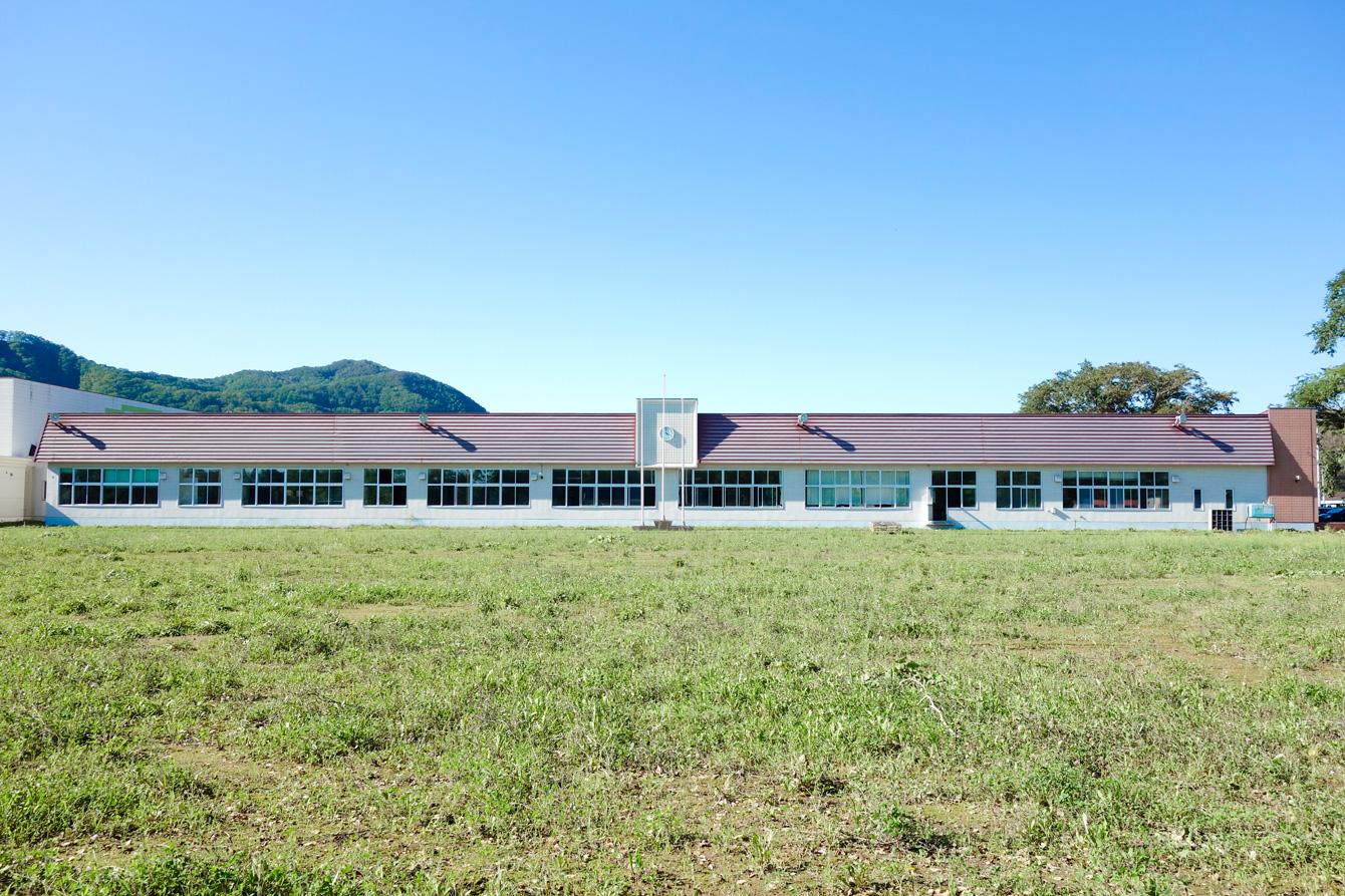 ワークショップ開催地である廃校(旧常室小学校)。