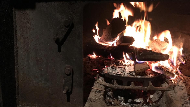 山姥冬暮らし〜働かざるもの暖まるべからず〜