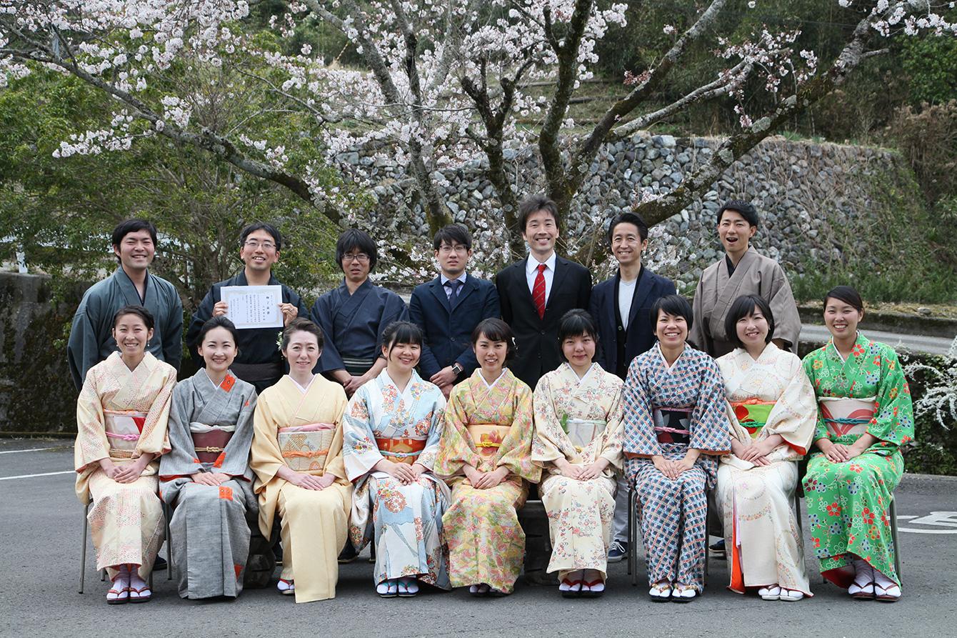 神山塾第7期の卒塾式にて。左上が穴井。