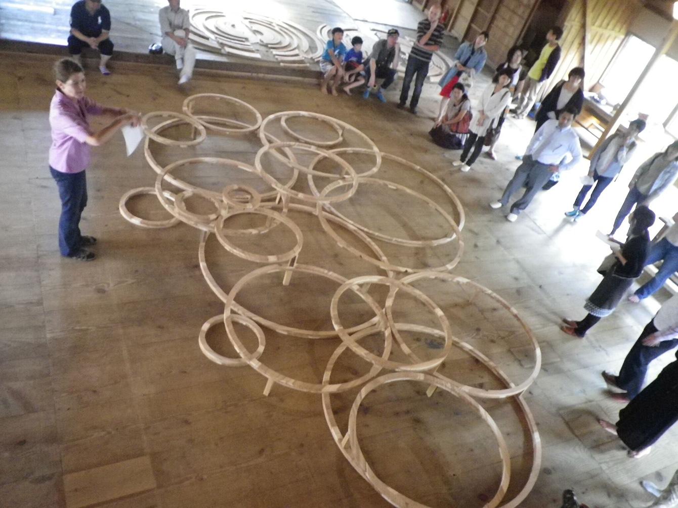 KAIR(神山アーティスト・イン・レジデンス)2013年度招聘作家のアトリエにて行われた、アーティストトーク。作品作りのお手伝いもさせていただいた。