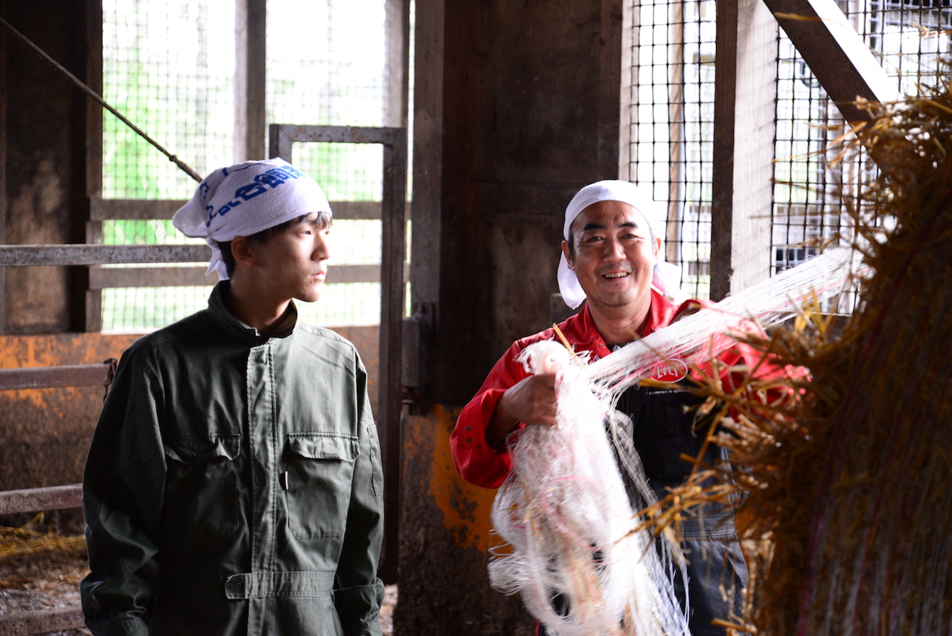 塚田牧場代表の塚田健一さん(右)、とても笑顔が素敵な方でした。