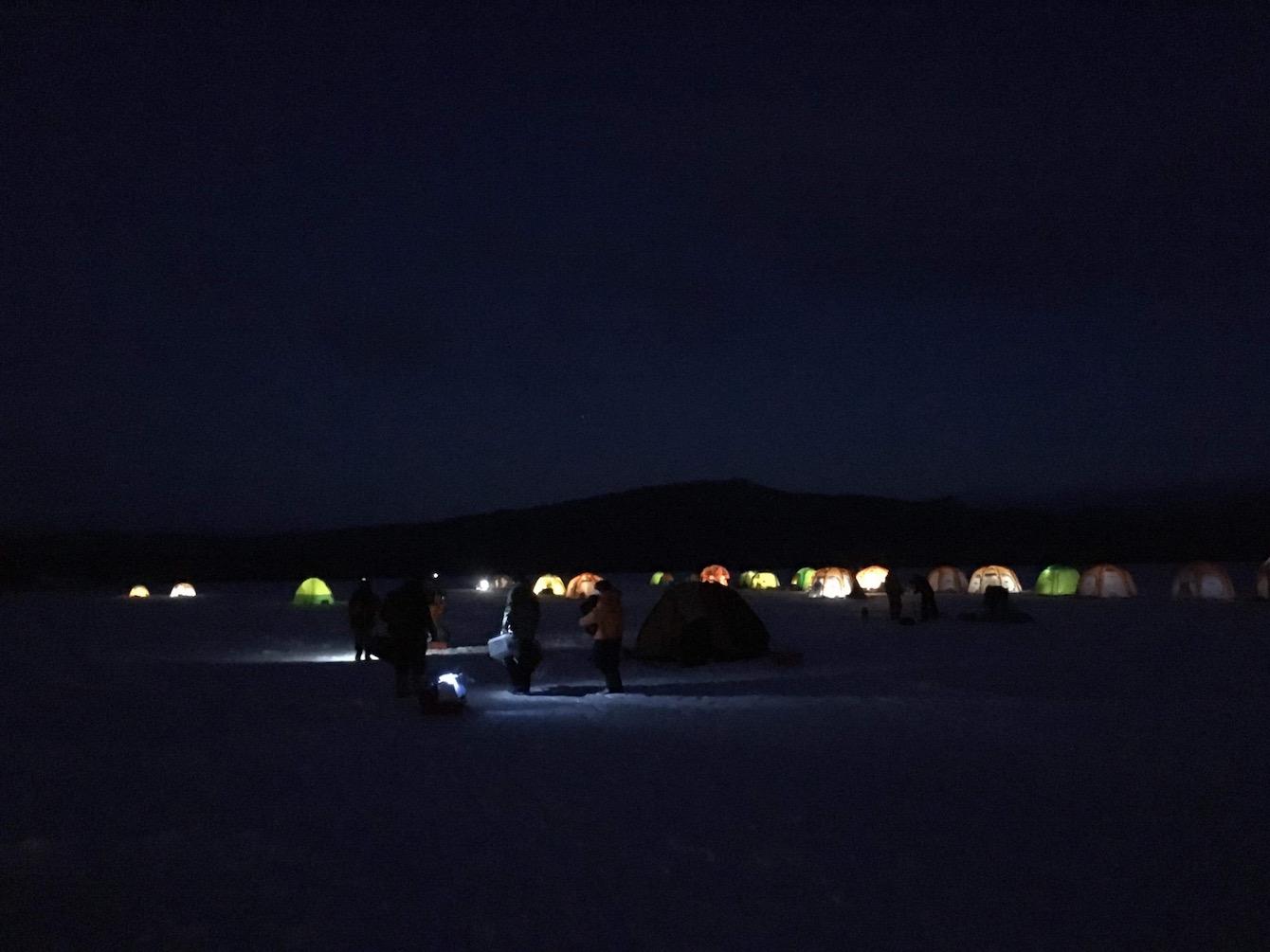 まだ太陽が上がる前の阿寒湖。